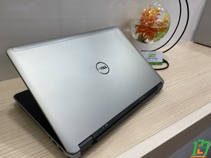 DELL LATITUDE E6440 thumb